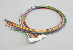 Wiring cable set with connector